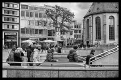 sonjahwolf / Zur S-Bahn gehen