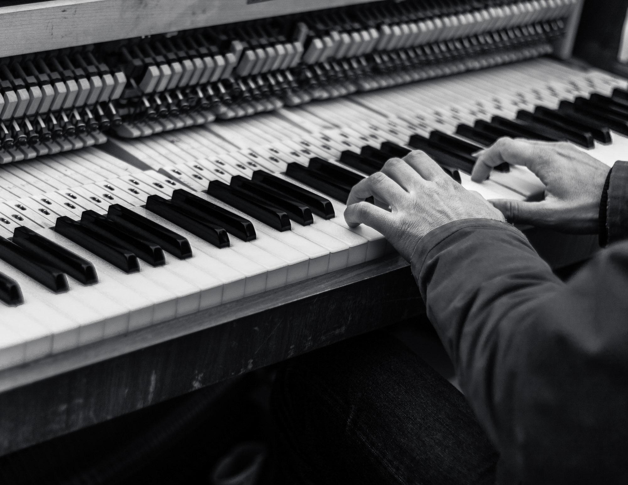 danny / Grand Piano