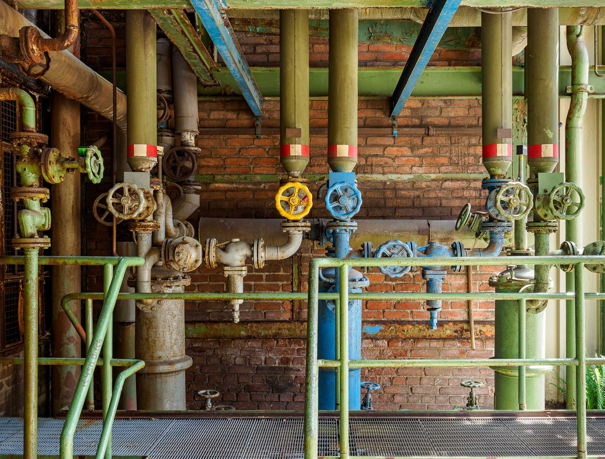Pipes (but no teapot)