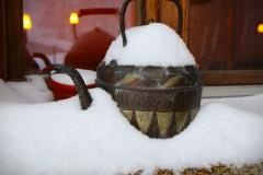 ylz / Teekanne im Schnee