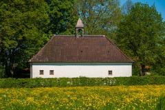 Laendliche Aussegnungshalle am Hahnenfußfeld