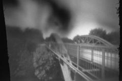 Pinhole: Eisenbahnbrücke