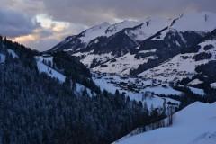 Winterwanderung mit Blick auf Raggal
