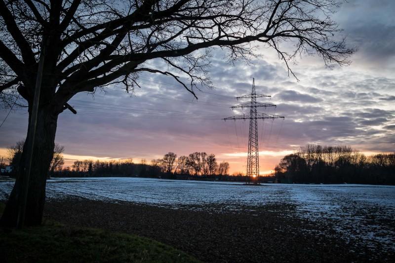 Strommast bei Abendlicht
