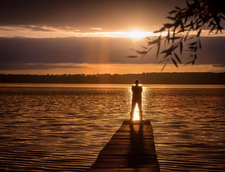 Warten auf dem Sonnenuntergang