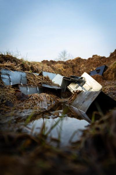 Müll im Graben