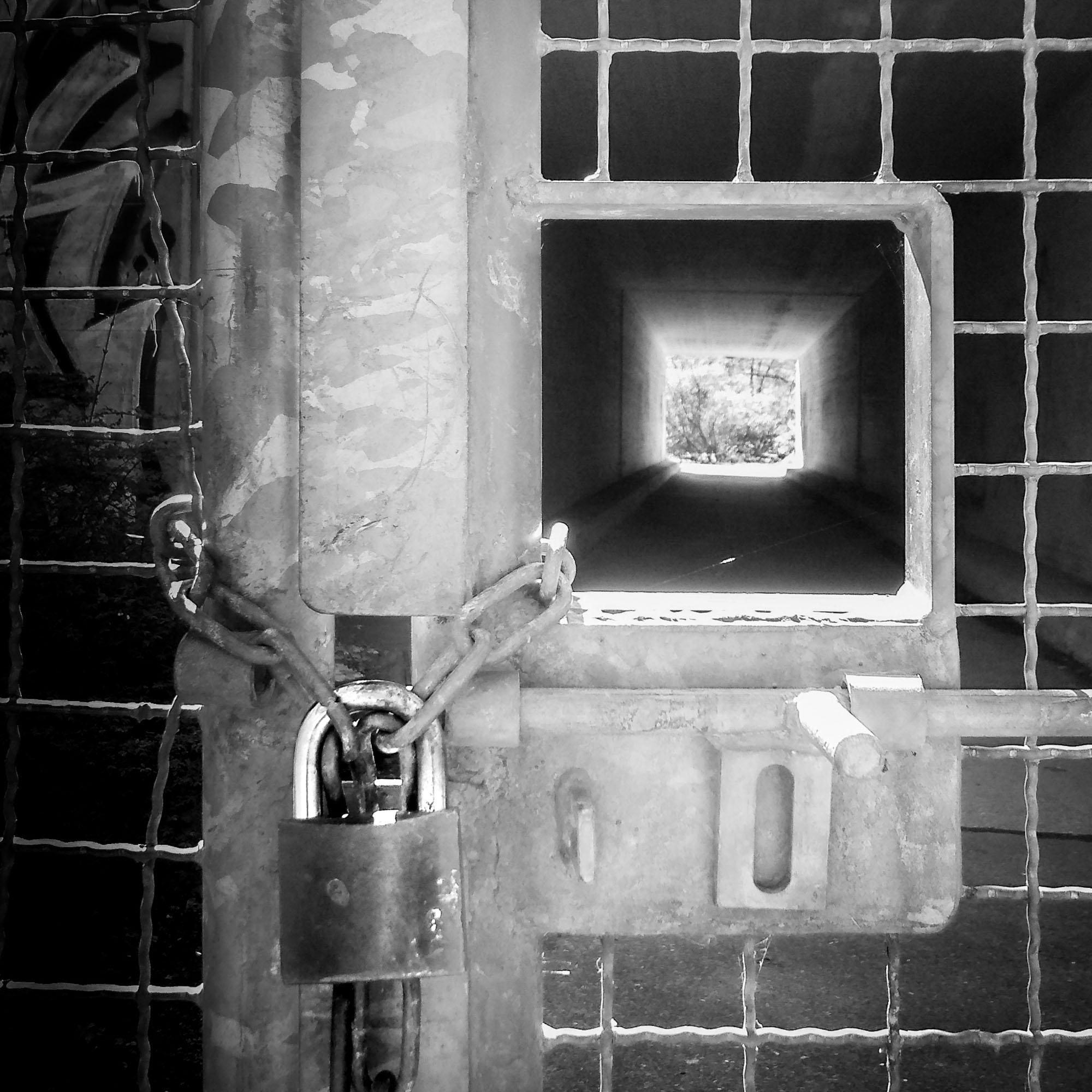 dotmatchbox / verschlossen