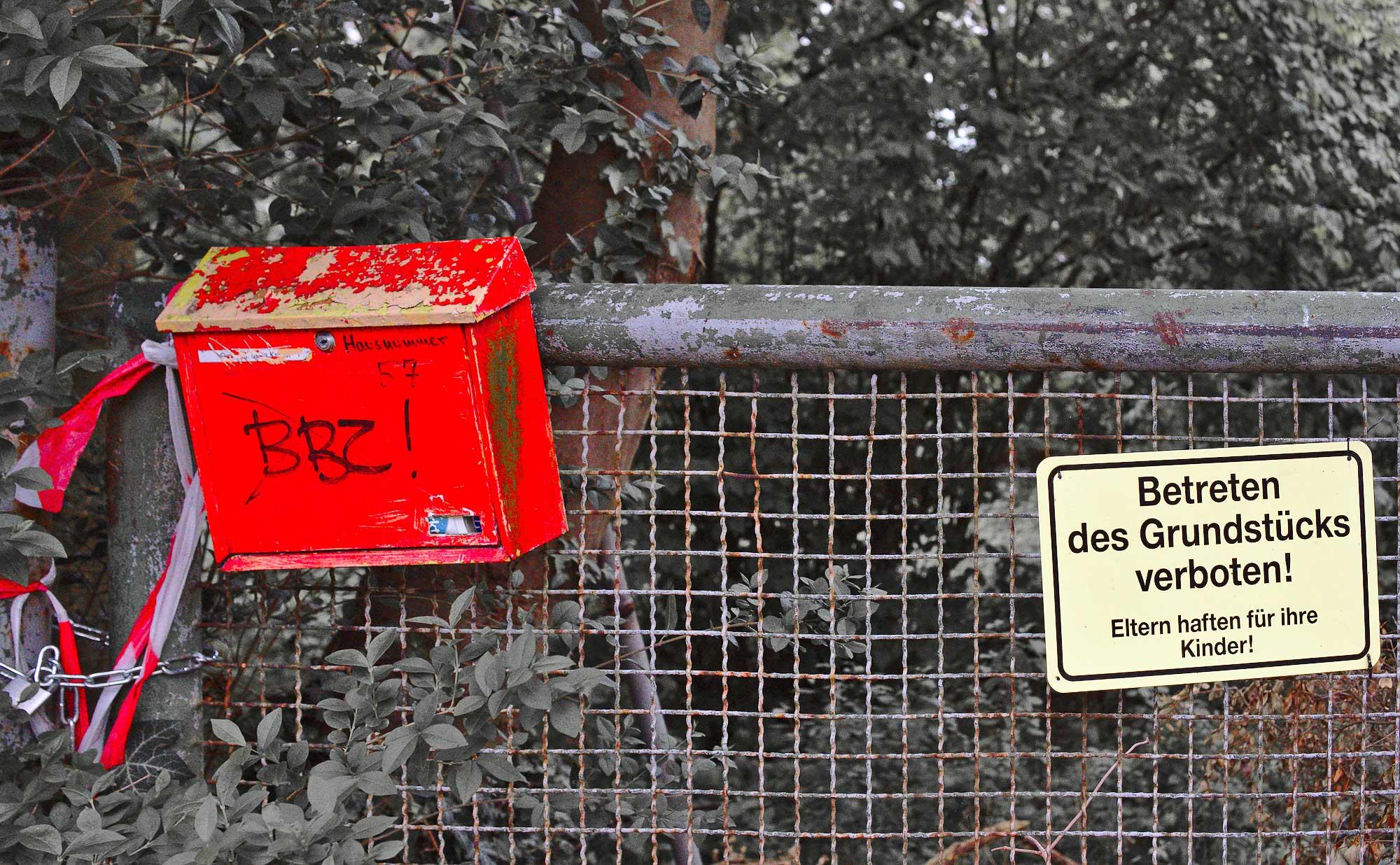 drummerlass/ toter Briefkasten