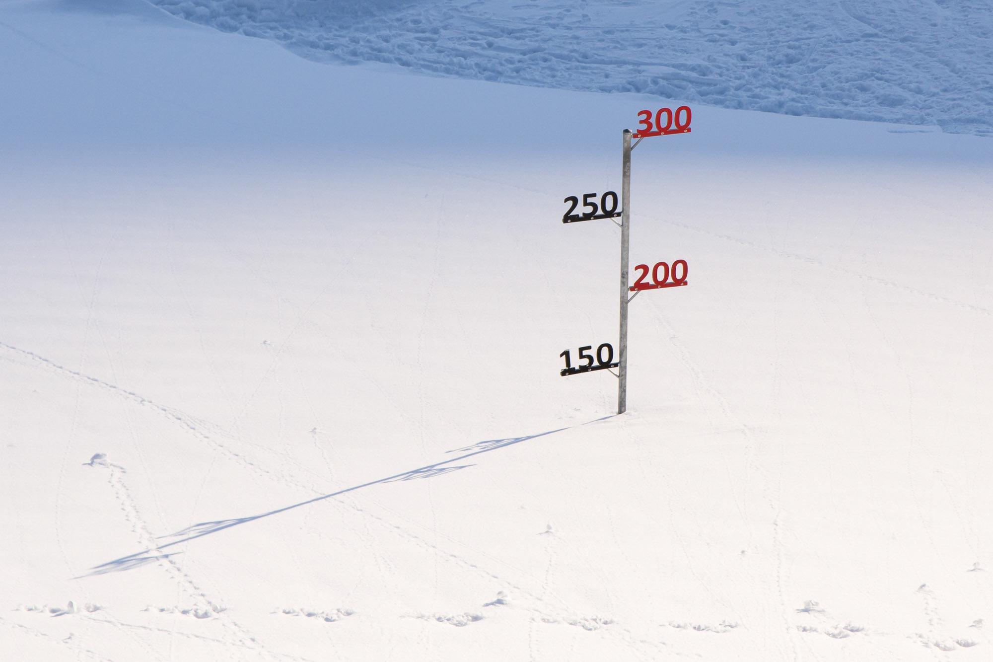 die Sprache der Zahlen in eisernen Lettern im weichen Schnee :)