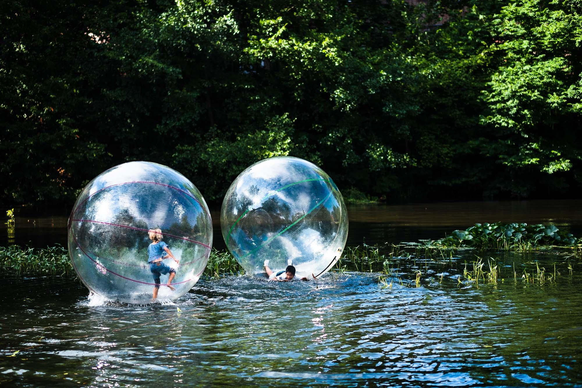 mstrombone / Sommerlicher Spaziergang übers Wasser...