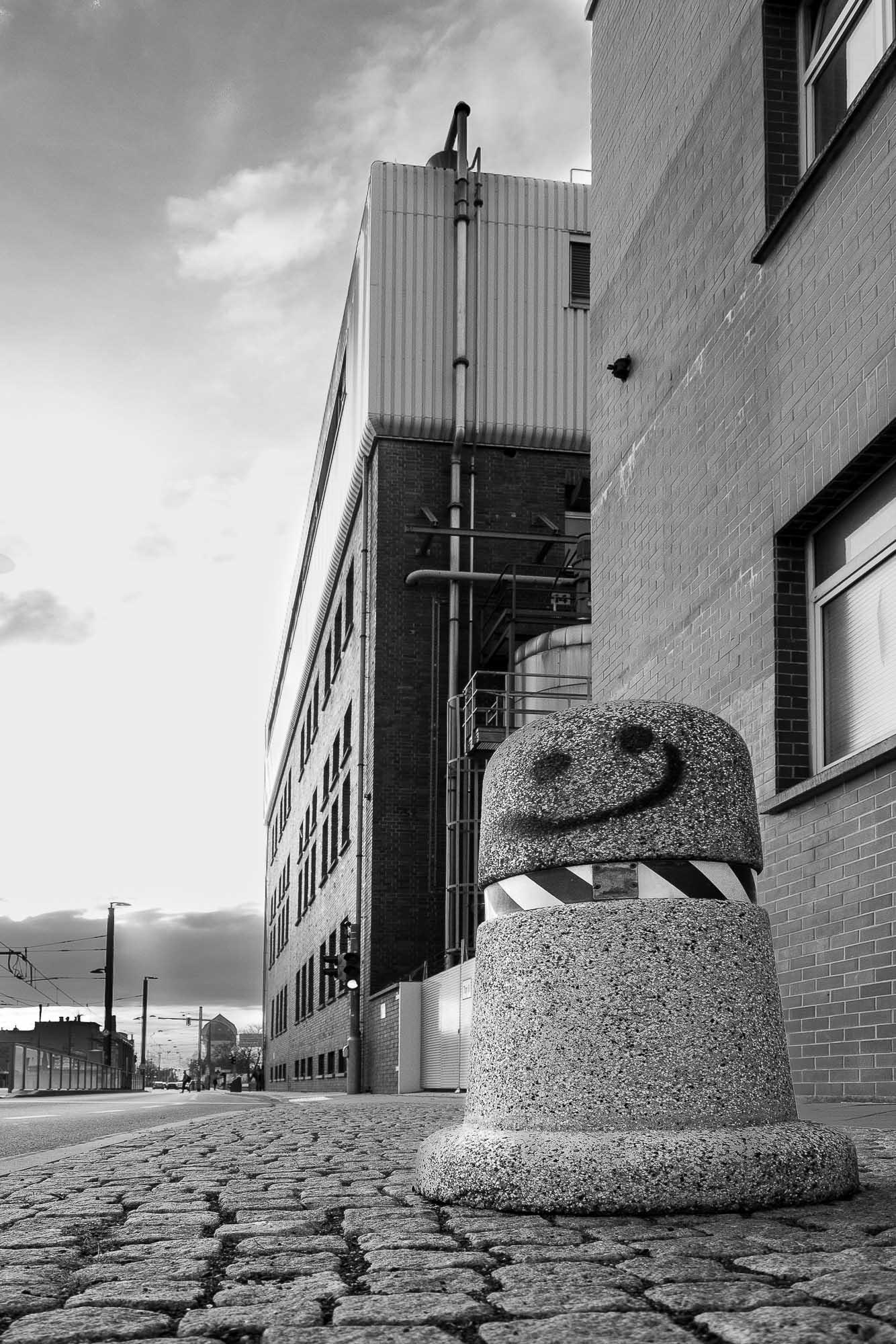 babblfisch / Im Schatten der Fabrik