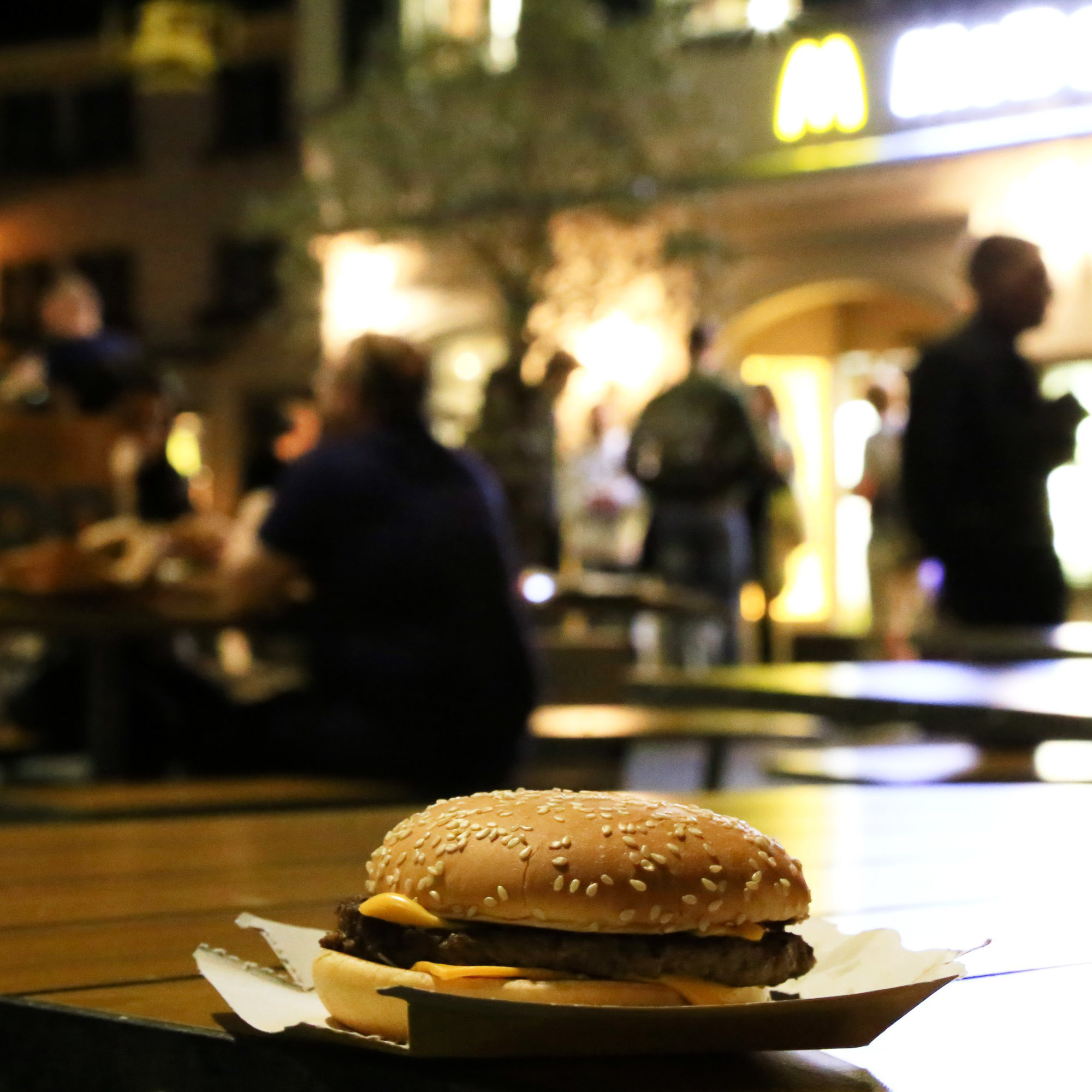 ylz / You know what they call a Quarter Pounder with Cheese in Paris?
