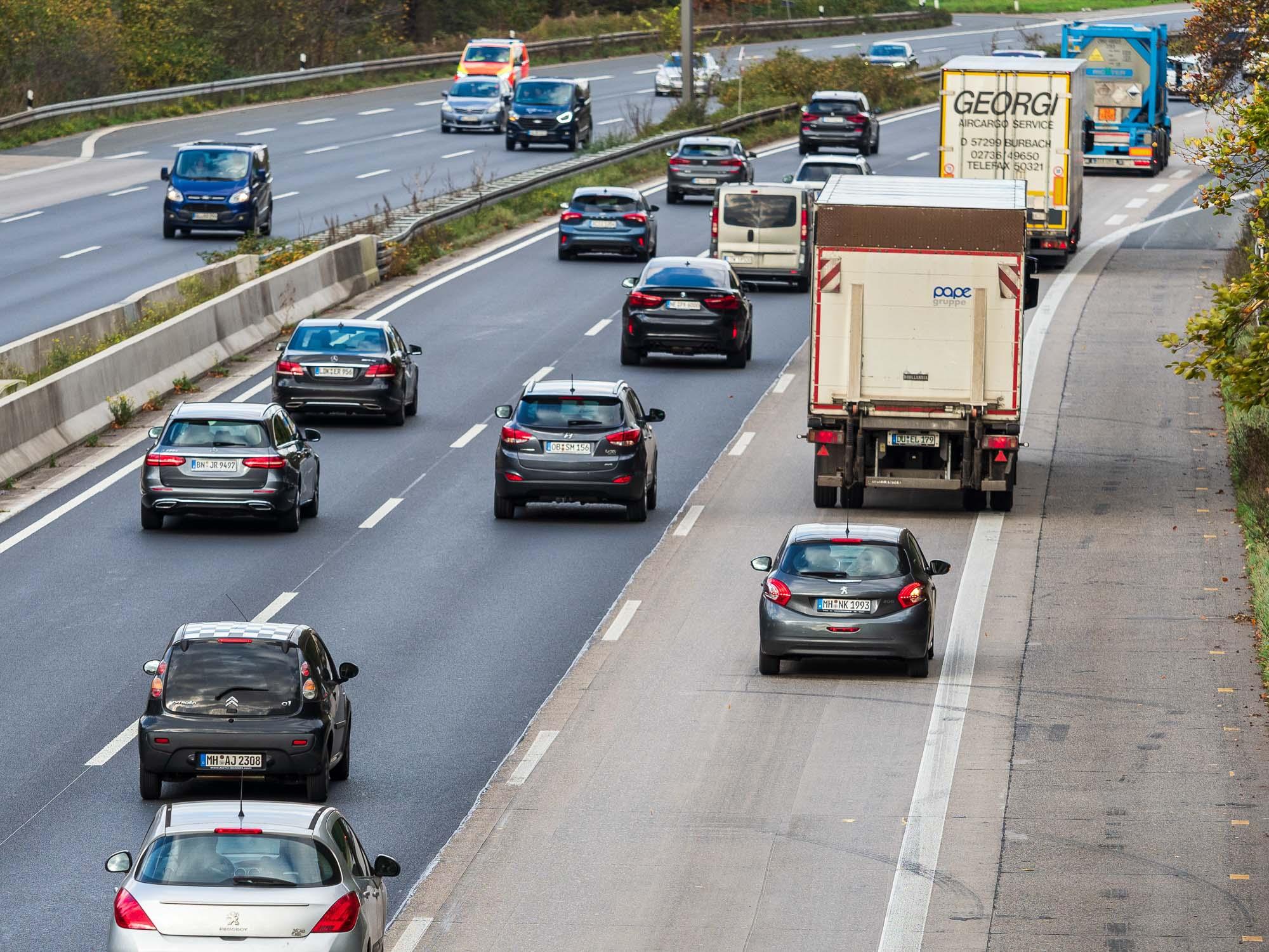 Autobahn(Vorwärts-Rücksicht-Wiederholung)