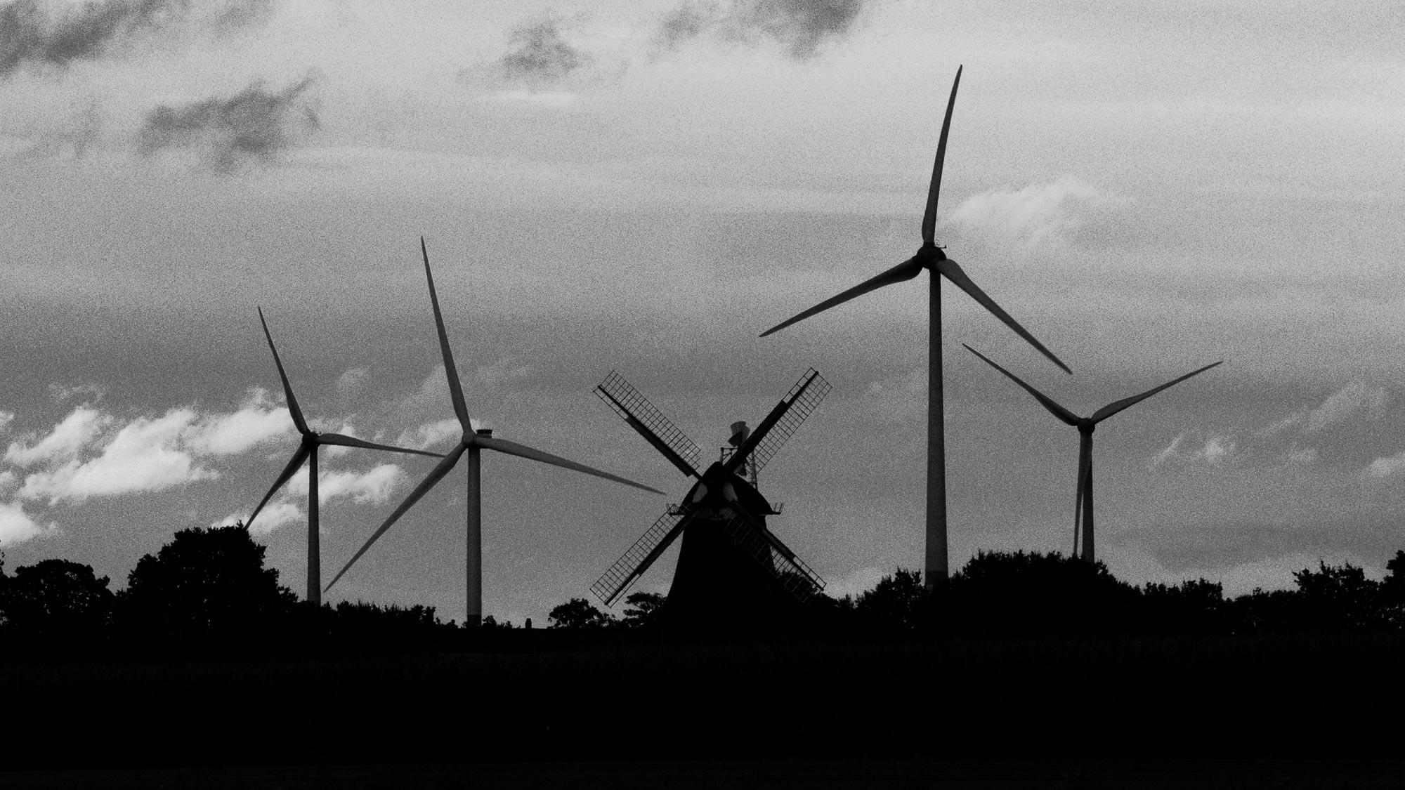 Windmühlen im Wechsel der Zeiten - es scheint, als wären alle gerade aus
