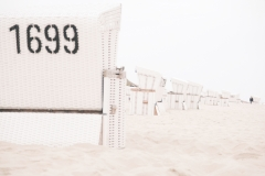 Zwei Strandkörbe außer Rand und Band