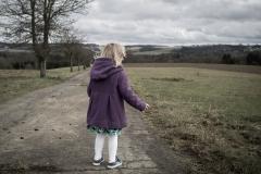ruebyi / Mädchen im Wind