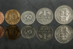 dabu / Fliegende Münzen