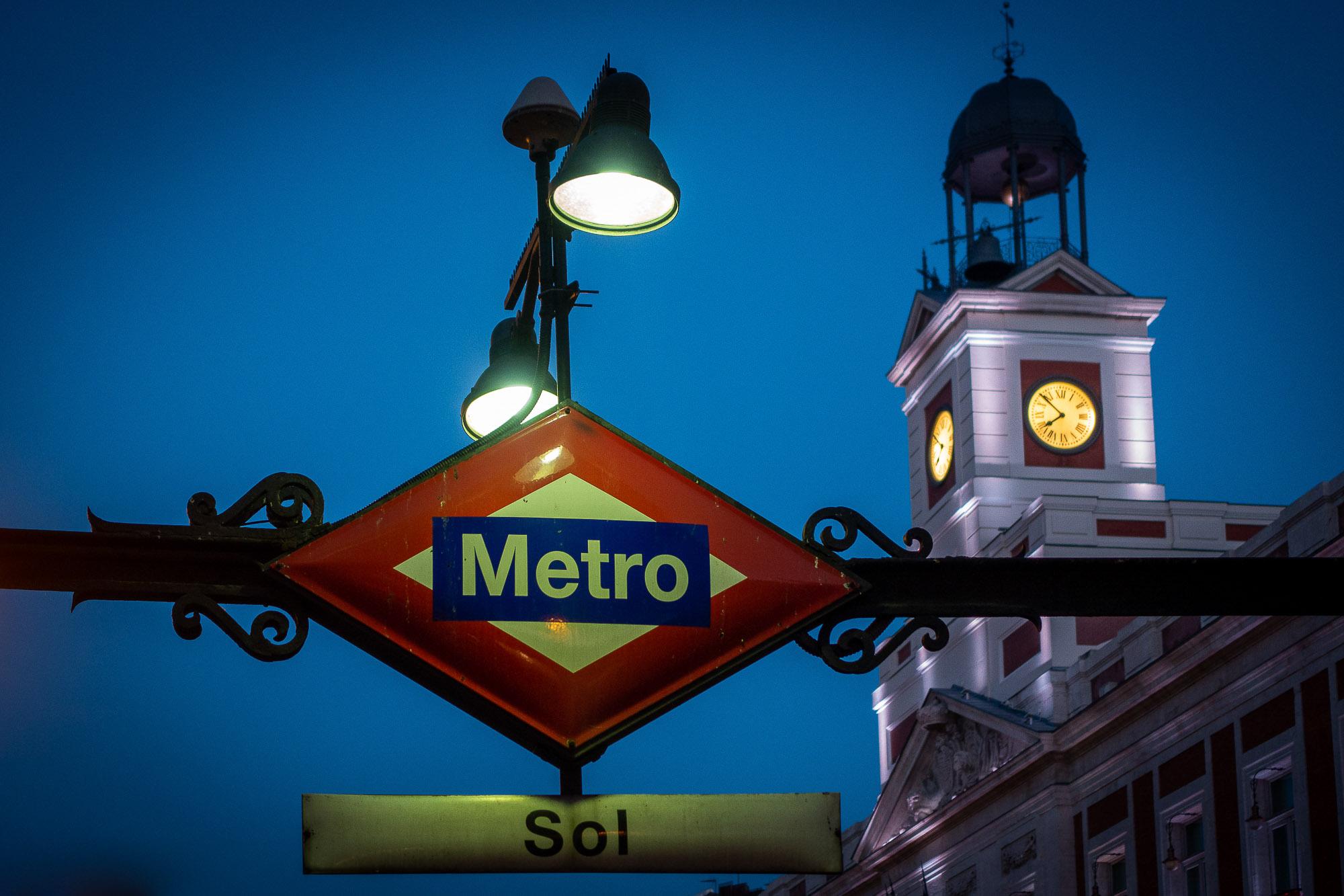 UnclePete / Madrid - Metro Sol um kurz vor acht Uhr