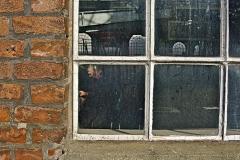 drummerlass/ Blick durchs Fenster
